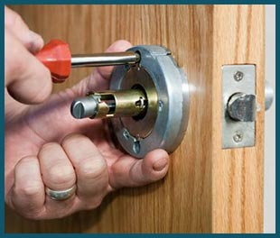 Miami Beach Lock & Locksmith Miami Beach, FL 305-744-5301javascript:void(0)